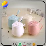 Tazza di ceramica coi fiocchi personalizzata con differenti generi e colori