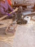 Rustic Moss e Brushwood Flat Bottomed Patchwork Hanging Basket