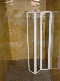 Badkamers die de Bijlage van het Scherm van de Douche van het Glas vouwen