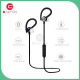 Lo stile dell'amo dell'orecchio mette in mostra la cuffia di Bluetooth