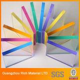 El plástico translúcido del color echó la hoja de acrílico/la hoja del plexiglás/la hoja de acrílico de PMMA