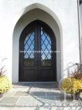 Neuer Entwurfs-Lichtbogen-oberste bearbeitetes Eisen-doppelter Eintrag-Haustür mit blauem reflektierendem Glas