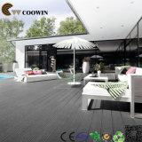 Fußbodenbelag--weiße hölzerne Bodenbelag-Plastik-Plattform