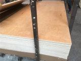 サンプル使用できる良質18mmのベニヤの合板のボードの食器棚