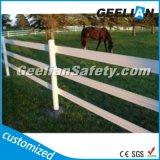 Загородка лошади 3 рельсов пластичная, твердые пластичные столбы