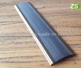 El resbalón del PVC del aluminio no inserta la escalera que olfatea la protección