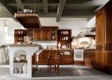 Кухонный шкаф кухни твердой древесины цвета типа страны темный деревянный