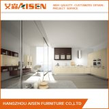L armadio da cucina bianco di legno solido di stile