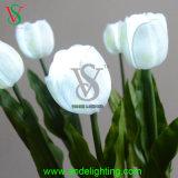 Weiße Blumen-Licht-Hochzeits-Dekoration