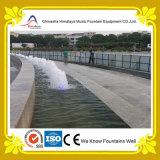 Fontaine de bouillonnement avec les lampes sous-marines de DEL