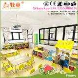 Tabela e cadeiras das crianças pintadas mão da mobília das crianças baratas para a escola de Montessori