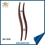 Maniglia di legno di colore di stile dell'onda per il buon portello Dh-7016