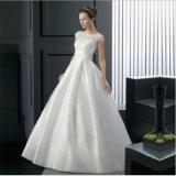 A élégant - ligne robe de mariage sans manche de bouton Back de V avec la ceinture