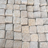 Cubo amarillo caído natural del guijarro del granito G682