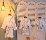Albornoces de la tela del terciopelo de los niños promocionales/pijamas/camisa de dormir