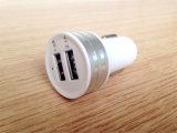 최신 판매 공장 공급 도매 5V 2A 두 배 USB 차 충전기 주문 차 충전기 주거