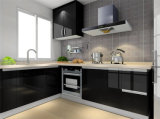 Schwarze hohe Glanz-Lack-Küche
