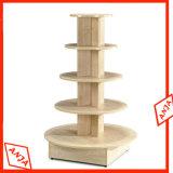 El estante de visualización de madera calza la unidad de visualización
