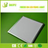 熱い販売600X600 120lm/Wの平らな天井LEDの照明パネル
