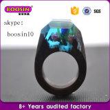Anéis de madeira originais personalizados da resina natural da jóia e anéis reais da flor