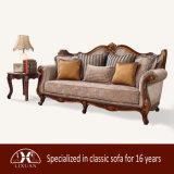 고전적인 직물 소파 거실을%s 고정되는 고대 2인용 의자 그리고 의자 고아한 소파