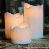 El plástico de la opción de los colores mira al trasluz la vela sin llama del cementerio de Tealights