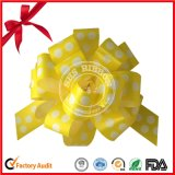 感謝祭のための金の糸が付いている分類されたカラーポンポンの引きの弓