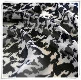 衣服のための100%年のポリエステルファブリックしわの軽くて柔らかい印刷の格子
