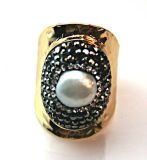 보석 진주를 가진 새로운 디자인 반지는 보석 부속품을 둥글게 된다