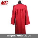 Gland mat rouge en gros de robe de chapeau de graduation de lycée
