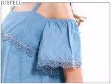 Las mujeres que cosen el harness ondulado bordado dobladillo Flounced cordón de las tapas sin tirantes forman flojamente la blusa de la camisa