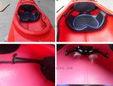 Pedals와 Rudder를 가진 1 Person Plastic Boat Sea Ocean Kayak