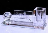 кристаллический устроитель держателя пер с часами