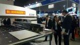CNC, der Machine/CNC Drehkopf-lochende Maschinen-Export nach Russland stempelt