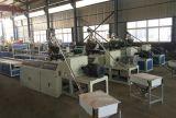 Polyvinylchlorid-Vorstand, der Maschinen-Zeile bildet
