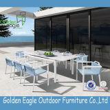 新しいデザイン屋外の家具の杖のダイニングテーブルセット