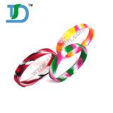 Neue Art kundenspezifisches Debossed Tinten-Fülle-Farben-Silikon-Armband-Geschenk für Förderung