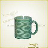 Tazza di caffè di ceramica poco costosa variopinta, tazza di caffè su ordinazione della porcellana