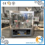 Água pura/mineral que enche o equipamento mecânico