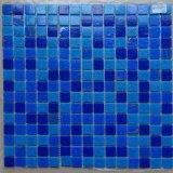 Mosaico de cristal azul de los azulejos de mosaico para la piscina