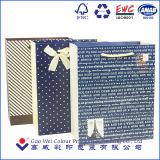 Sacchetto di carta di lusso operato su ordinazione del regalo del sacco di carta del regalo con il campione libero