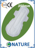 Toallas sanitarias de la envoltura colorida con buena absorbencia