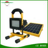 Luz de inundação 5W solar portátil ao ar livre com o punho solar interno da lâmpada de inundação da carga da C.A. do diodo emissor de luz do brilho 54PCS que pesca a iluminação solar