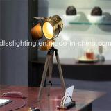 Lampada di pavimento di legno moderna del treppiedi di Hight Quanlity per la decorazione di progetto