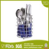 Vaisselle plate en plastique de traitement d'acier inoxydable dans le jeu de vaisselle plate