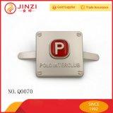 Metallfirmenzeichen-Kennsatz-Marke mit rotem Expoxy Gummi für Handtasche