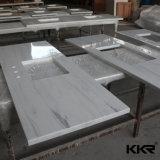 Partie supérieure du comptoir préfabriquées blanches synthétiques de cuisine de pierre de quartz