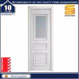 合成PVCは張り合わせられた純木のガラス白いドアを薄板にした