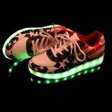 Flache LED beiläufige Schuhe der Weihnachtsform-mit der 8 Modus-Beleuchtung