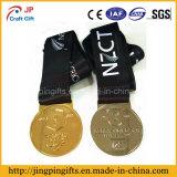 Un ricordo su ordinazione 2D dei 2017 rifornimenti ed il metallo di marchio 3D mette in mostra la medaglia dell'incisione della medaglia con il nastro variopinto